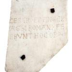 Lastra con iscrizione